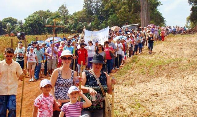 Peregrinos percorrem a Rota da Fé, no Paraná - divulgação